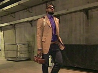 lebron-man-purse