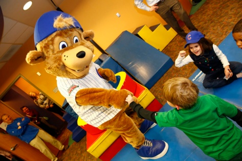 clark_the_cub_with_kids_photo